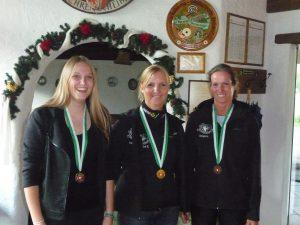 Frauenklasse (v.l.): Ann Hackl (2.), Angelika Sporer (1.), Sonja Kaspar (3.)
