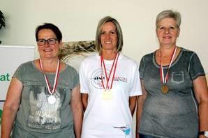 Siegerehrung Seniorinnen 2x30 (v.l.): Gabi Jesner (Landeck) - 2. Pl, Sonja Kaspar - 1. Pl., Luzia Müller (Schattwald), 3. Pl.