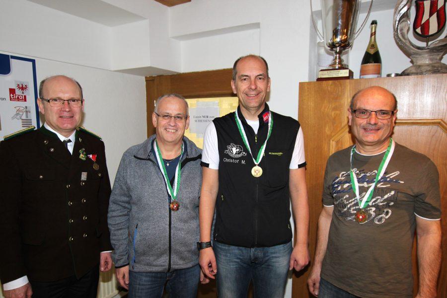 Senioren 1: Hans Hermann Auer (Roppen), Christof Melmer, Norbert Stefani (Roppen)